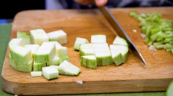 Ароматний кабачковий суп з фрикадельками - рецепт з фото