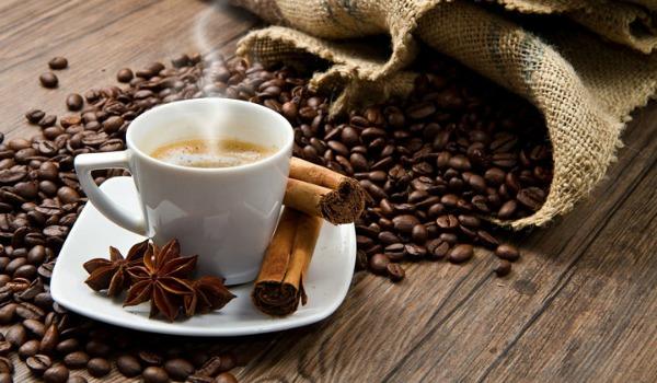 Як ранкова кава впливає на ваше життя?