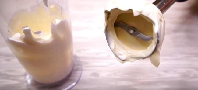 Салат з кальмарами - смак ніжний та соковитий: рецепт з фото
