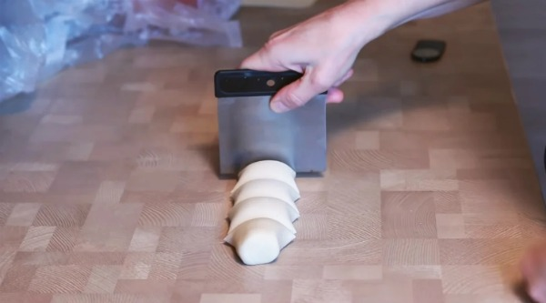 Тонкий лаваш вдома на сковороді з трьох інгредієнтів
