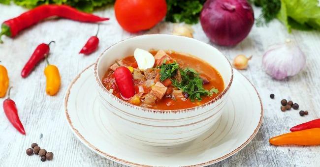 Гуляш з яловичини: два рецепта для ніжного м'яса