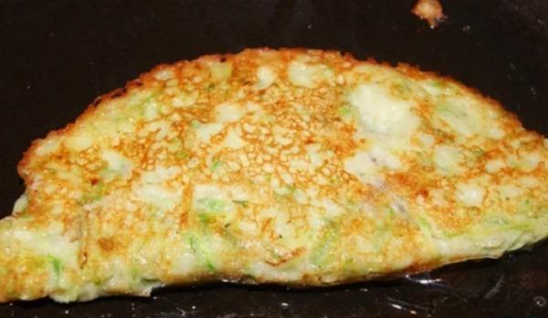 Кабачкові чебуреки: готується швидко та просто, виходять дуже смачні