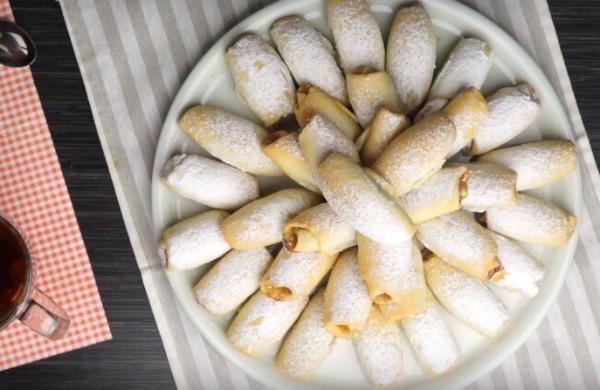 Хрусткі і шалено смачні трубочки з карамельно-яблучною начинкою