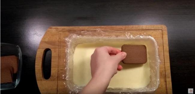 """Торт без випічки """"Пташине молоко"""" за 15 хвилин"""