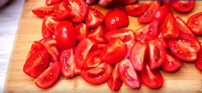 Як я Зберігаю помідори всю зиму без морозильної камери, щоб вони залишалися свіжими на смак і вигляд