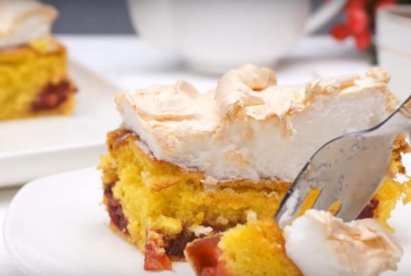 Чудовий пиріг зі сливами і безе - смак не передати словами