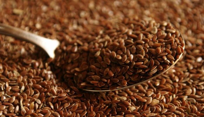 Як відреагує тіло, якщо ви почнете з'їдати по 2 ложки лляного насіння щодня