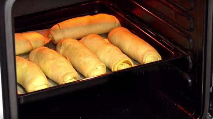 Дуже смачні пиріжки де мало тіста і багато начинки, без дріжджів і яєць