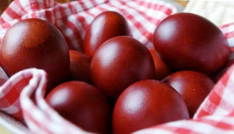 Крашанки - як правильно пофарбувати яйця відваром з цибулевого лушпиння