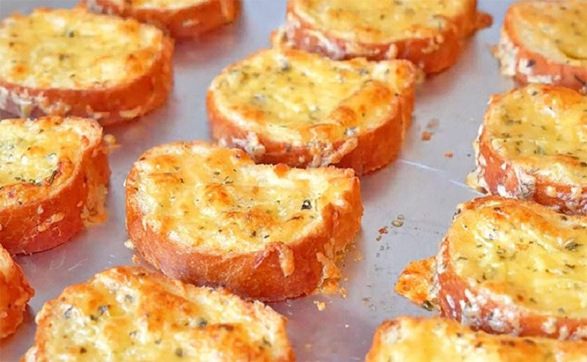 Часниково-сирні грінки - рецепт приготування