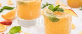 Домашній лимонад з персиків і ананаса, рецепт приготування
