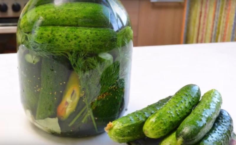 Малосольні огірки - рецепт