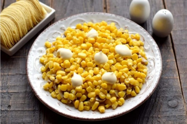 Рецепт смачного і красивого салату «Хризантема». Його гості з'їдають першим!