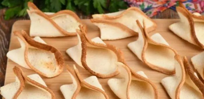 Оригінальні бутерброди зі шпротами. На святковий стіл те, що потрібно!