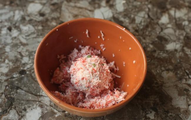 Закуска з крабових паличок: всі продукти доступні і дуже смачні
