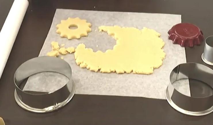 Ще один рецепт: пісочне печиво - кільця з горіховою крихтою