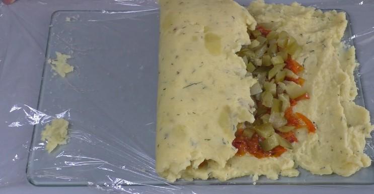 Цю страву з картоплі я придумала ще в далекі 90-е і до сьогодні часто її готую на вечерю