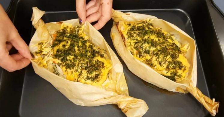 Готую курячу грудку з смачною начинкою: ділюся рецептом смачної вечері