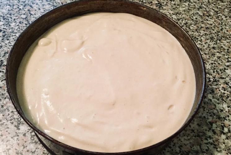 Високий, рівний, пишний бісквіт для торта - відмінний рецепт
