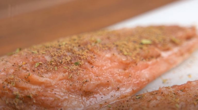Солимо Скумбрію: смачніше червоної риби, 4 годину стоїть на кухні, а потім 2 в морозилці