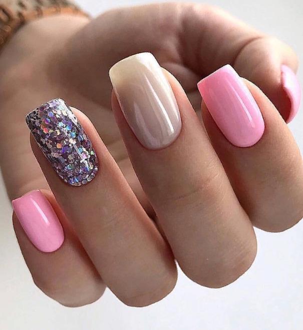 Короткі нігті - стильно, елегантно і строго
