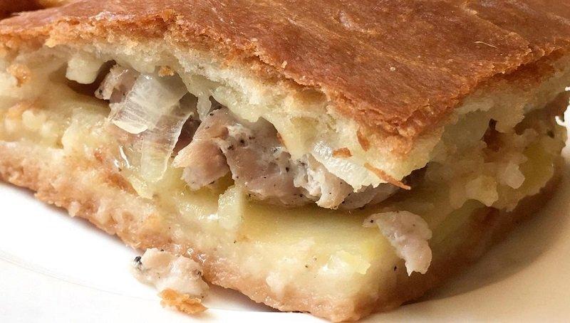 Як приготувати зразковий пиріг, повний начинки з м'яса і картоплі