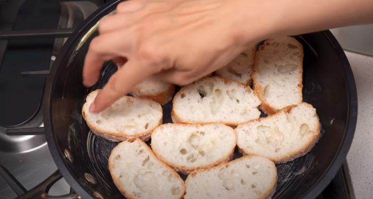 Швидкий і смачний рецепт м'ясного пирога. Ніхто не вірить, що я готую без тіста!