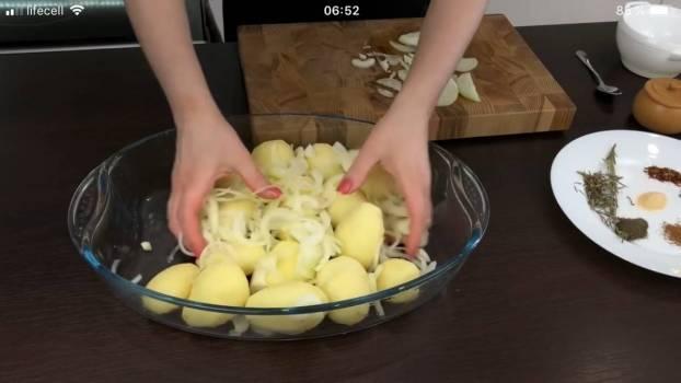 Як просто і дуже смачно нагодувати сім'ю? Приготуйте картоплю
