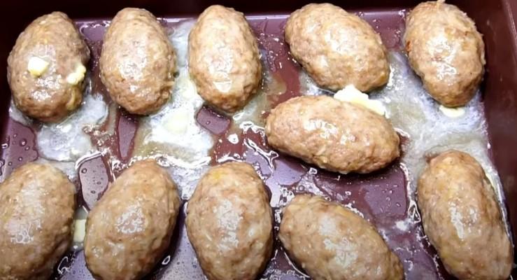 Більше не стою біля плити годинами: навчилася готувати котлети в духовці