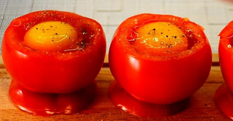 Всього лише поклала яйце в помідор і вийшов такий шедевр