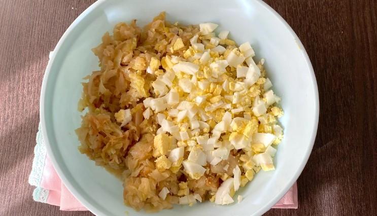 У мене сьогодні пиріжки з капустою: розповім і покажу, як зробити тісто як пух