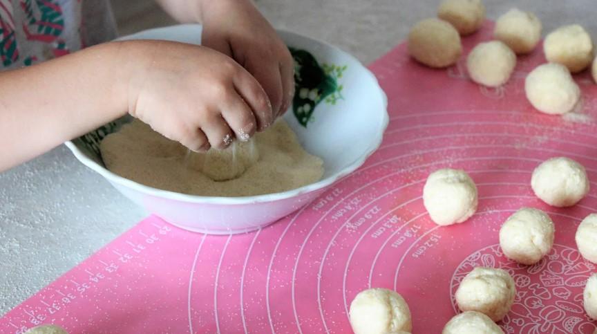 """Завжди тримаю в морозилці сир: показую як готую """"колобки"""" за рецептом моєї прабабусі"""