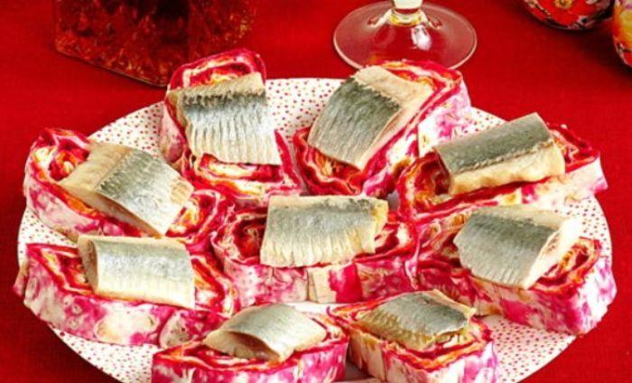 Смачна закусочка «Оселедець на шубі». Гості просять рецепт: смачно і красиво