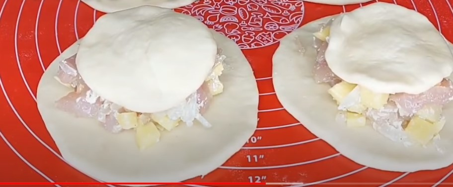 Пишні пироги з начинкою: готую два рази в день і просять ще. Незрівнянний і ситний рецепт